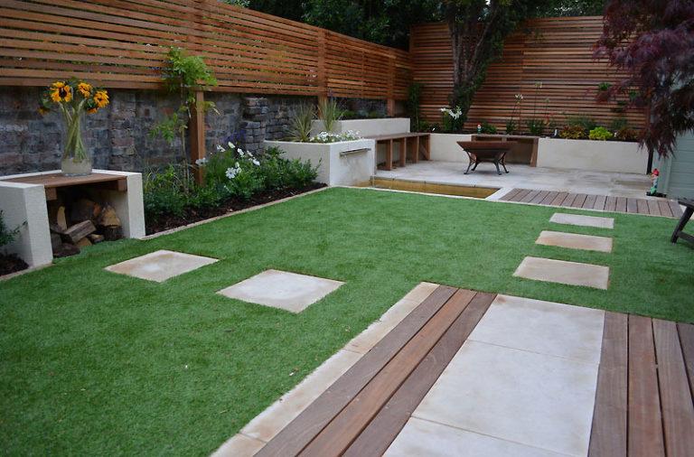 Contemporary-Garden-design-with-Venetian-Fence.